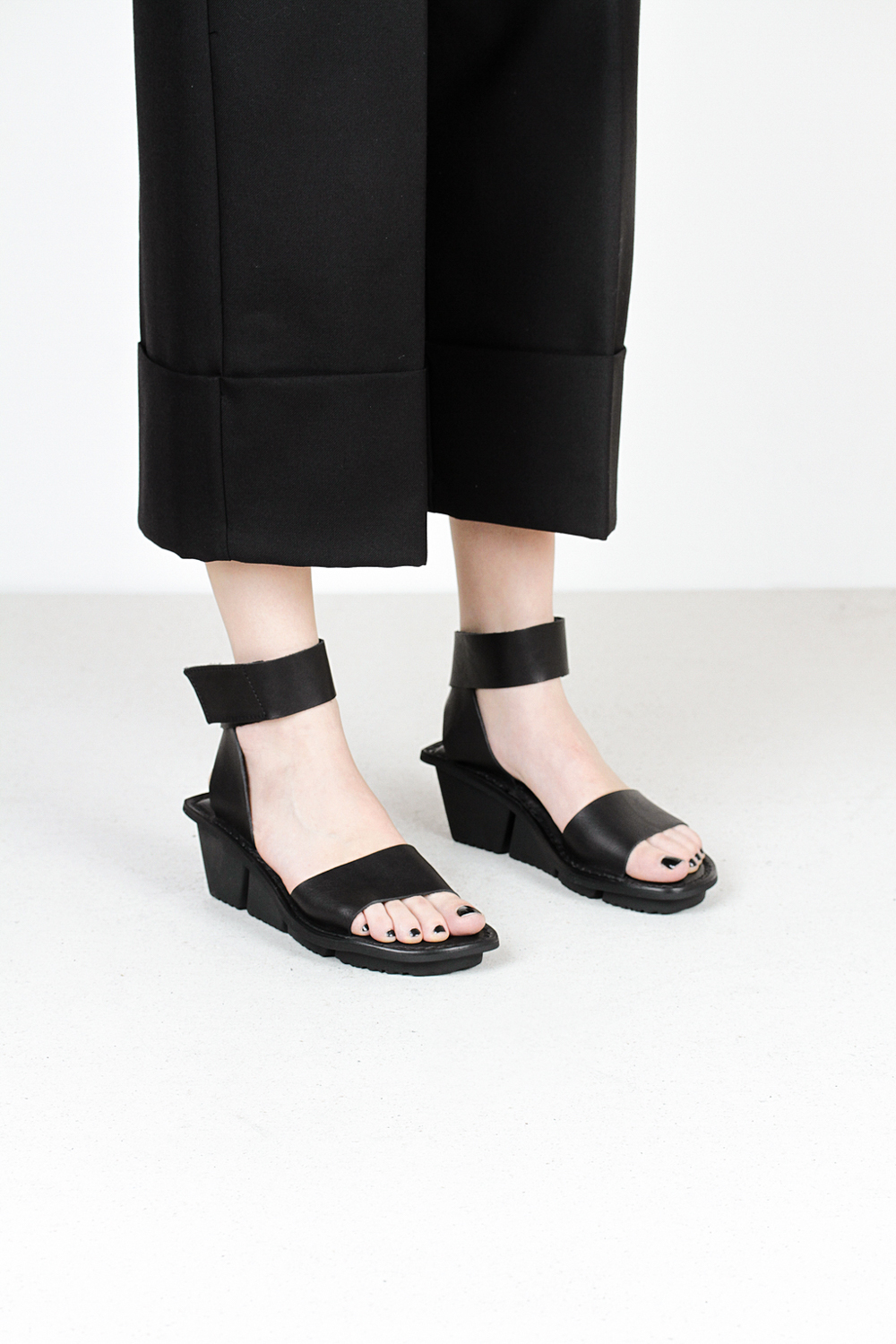 Trippen plucky f waw blk leather sandals
