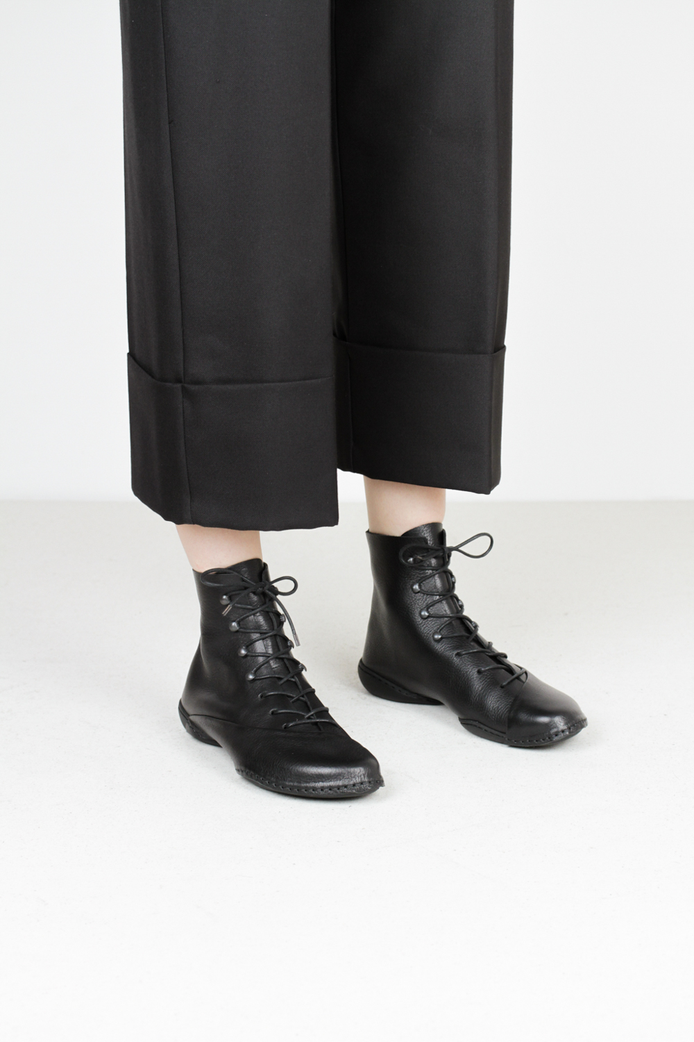 Trippen oyster f waw blk leather shoes