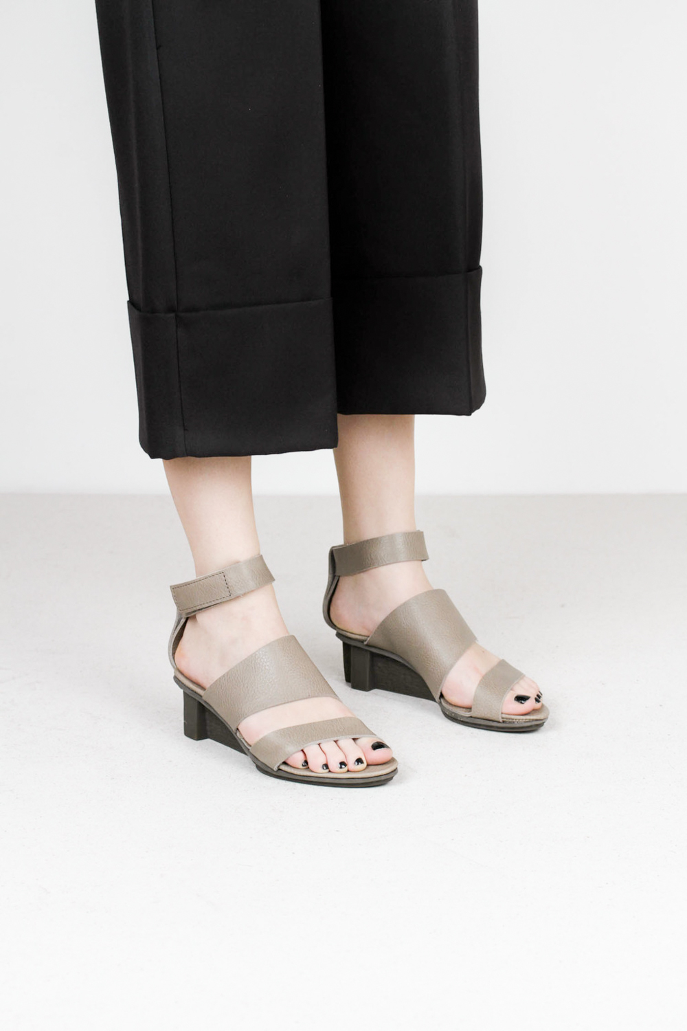 Trippen pulse f waw cloud leather sandals